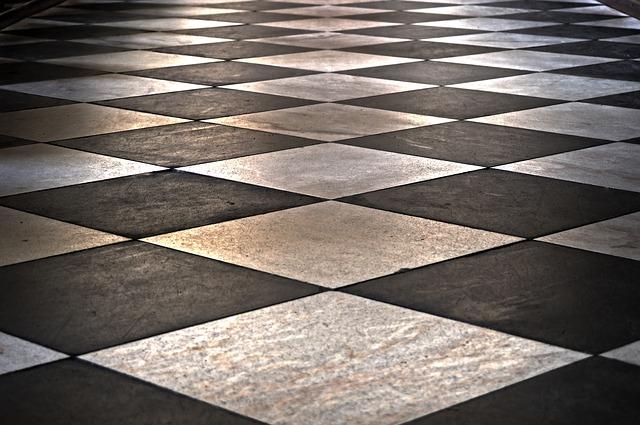 geometrický vzor podlahy