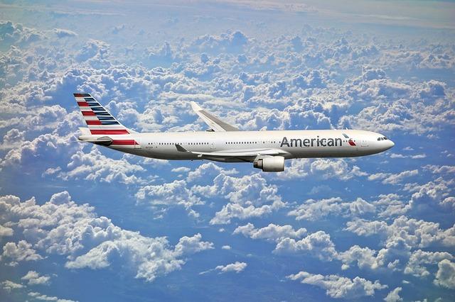 dopravní letadlo nad mraky.jpg