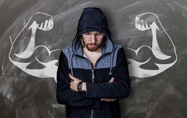 muž s dokreslenými svaly