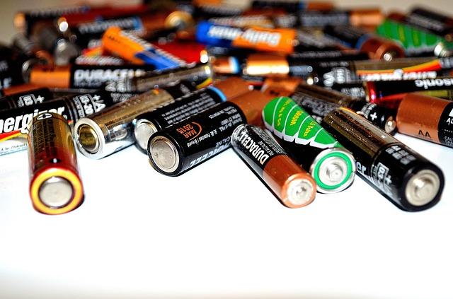 různé baterie